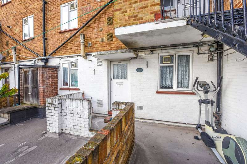 1 Bedroom Flat for sale in Barking Road, London, E6