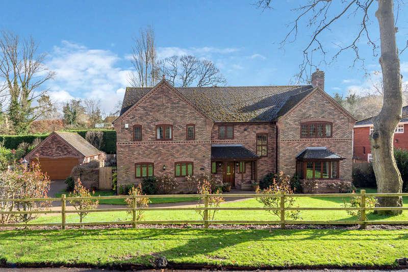5 Bedrooms Detached House for sale in Walton Lane, Brocton