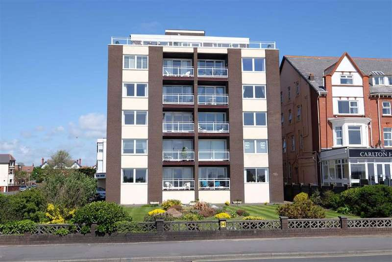 2 Bedrooms Apartment Flat for sale in Hilton Court, St Annes