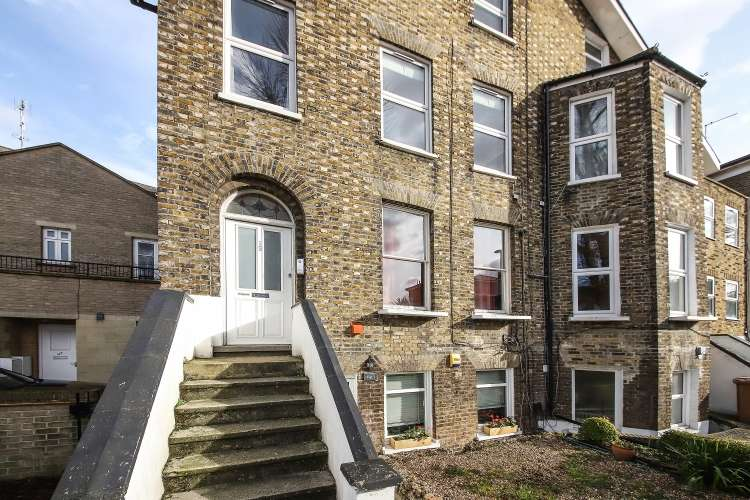 2 Bedrooms Flat for sale in Eastdown Park London SE13
