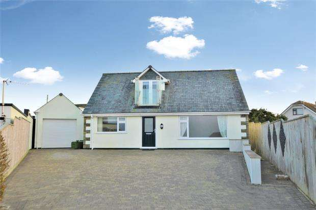 3 Bedrooms Detached House for sale in Lusty Glaze Road, Newquay, Cornwall