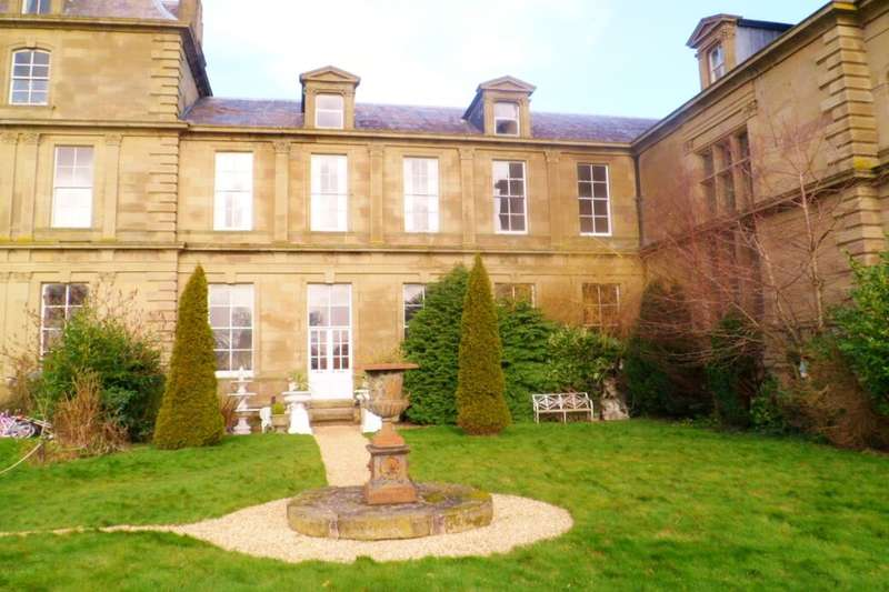 7 Bedrooms Terraced House for sale in Wynnstay Hall Estate, Ruabon, Wrexham, LL14