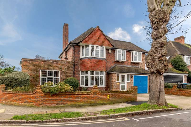 5 Bedrooms Detached House for sale in Dickerage Road, Kingston Upon Thames, KT1