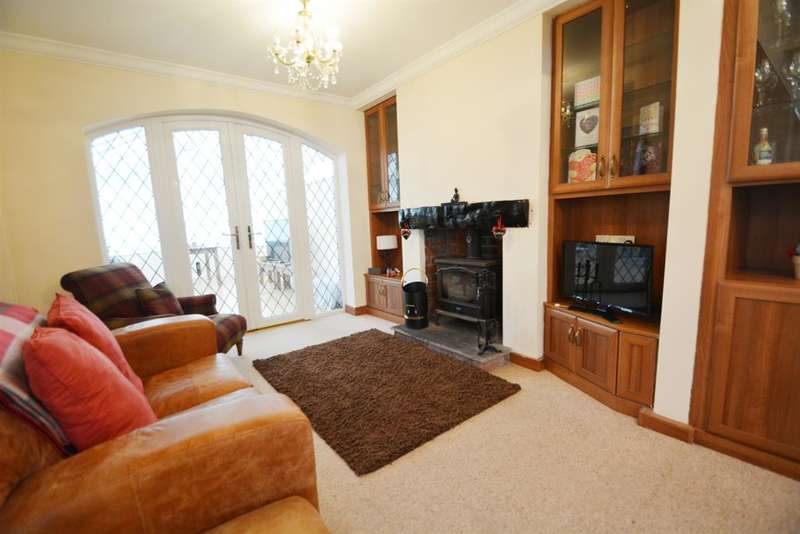 3 Bedrooms Detached House for sale in Seathwaite Avenue, Blackpool, FY4 4RJ