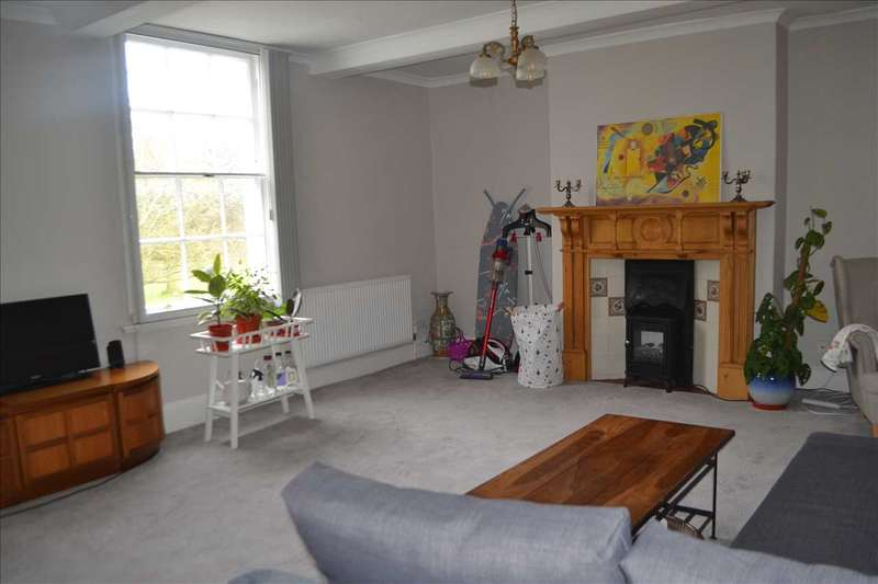 2 Bedrooms Apartment Flat for rent in Abbey Hill, Kenilworth