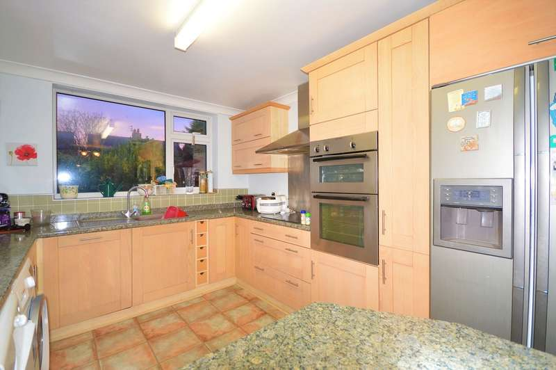 3 Bedrooms Semi Detached Bungalow for sale in Selby Avenue, South Shore
