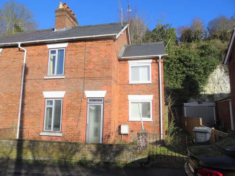3 Bedrooms Semi Detached House for sale in London Road