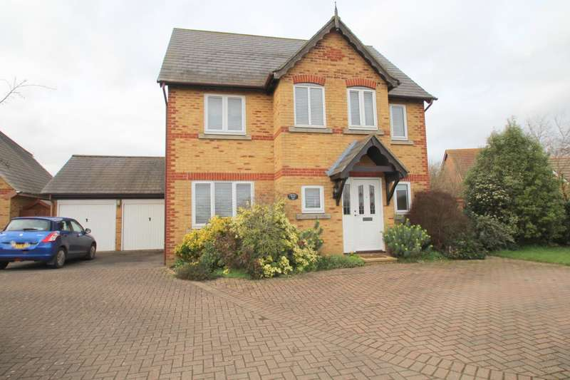 4 Bedrooms Detached House for sale in GOSBECKS VIEW, COLCHESTER