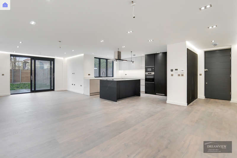2 Bedrooms Apartment Flat for sale in SHAREL COURT, 87 THE RIDGEWAY, GOLDERS GREEN, LONDON, NW11