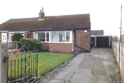 2 Bedrooms Bungalow for sale in Roughlee Avenue, Swinton, Manchester, Greater Manchester