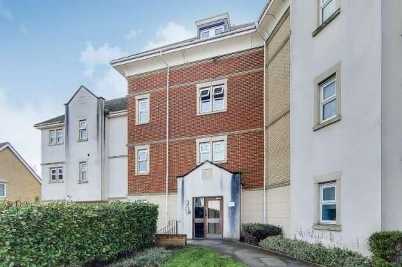 2 Bedrooms Flat for sale in Critchley Avenue, Dartford, DA1
