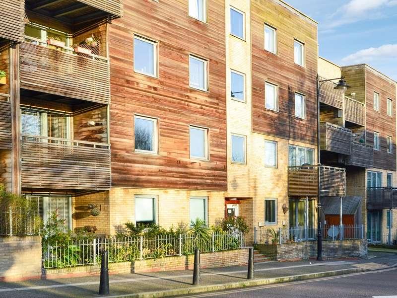 1 Bedroom Flat for sale in Wick Lane, Bow E3
