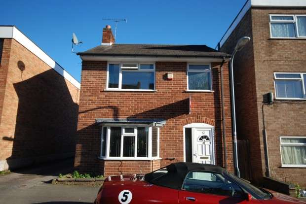 3 Bedrooms Detached House for rent in Humphris Street, Warwick, CV34