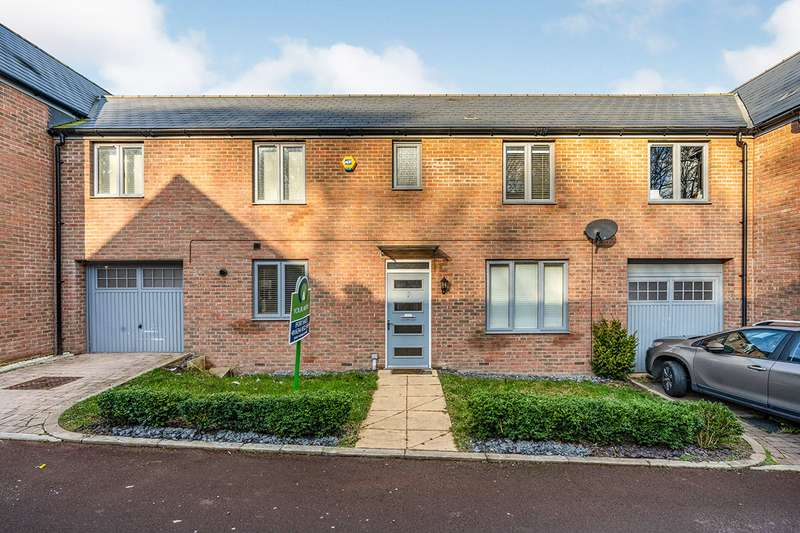 4 Bedrooms House for sale in Chatham Reach, Amherst Hill, Gillingham, Kent, ME7