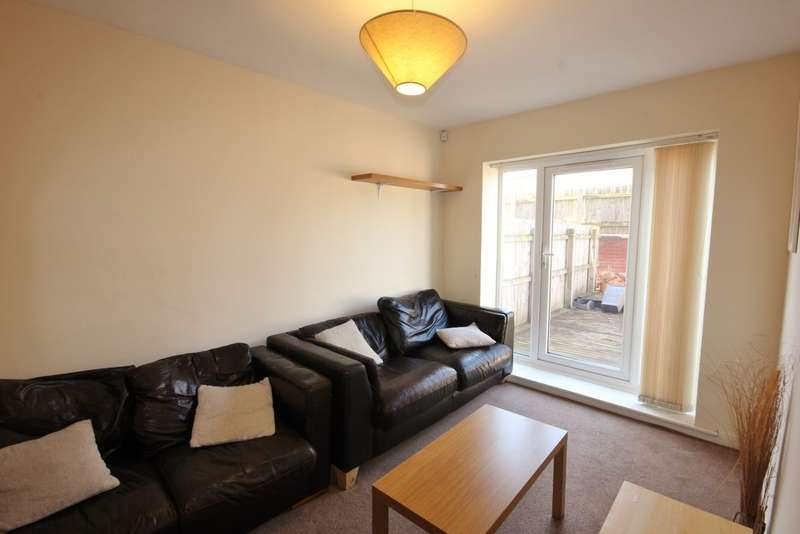 4 Bedrooms Property for rent in Shoreham Street, Sheffield ROOF TERRACE S2