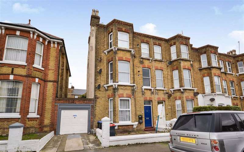 2 Bedrooms Flat for sale in Sweyn Road, Margate, Kent