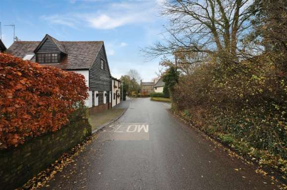 2 Bedrooms Property for sale in Benington Road, Aston Village