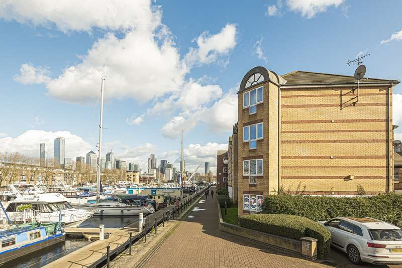 2 Bedrooms Flat for sale in Transom Close, Surrey Quays