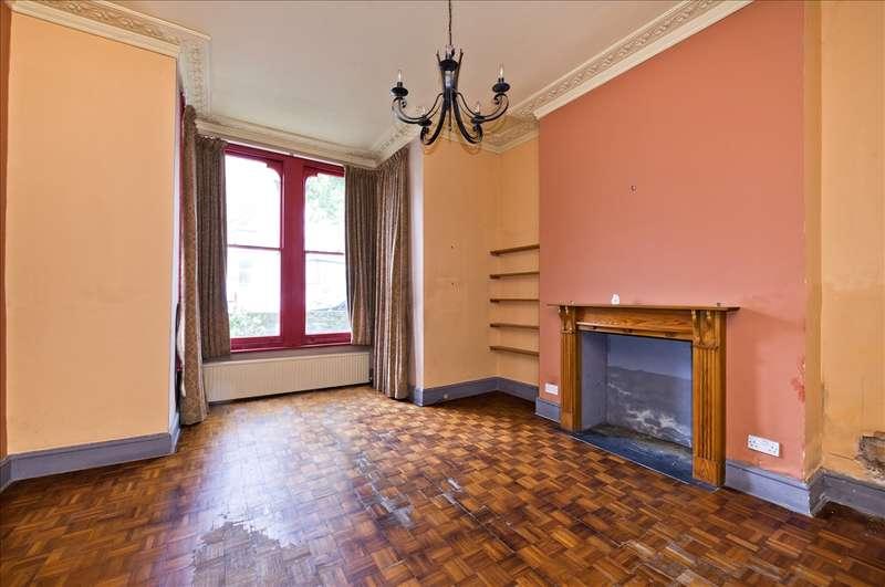 1 Bedroom Flat for sale in Westwick Gardens, Olympia W14