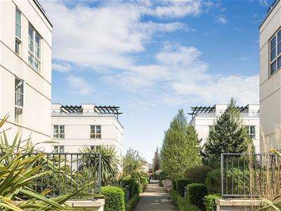 1 Bedroom Apartment Flat for sale in 67 Watkin Road, LEICESTER