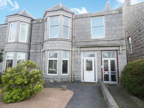 2 Bedrooms Flat for sale in Cromwell Road, Aberdeen, Aberdeenshire, AB15 4UE