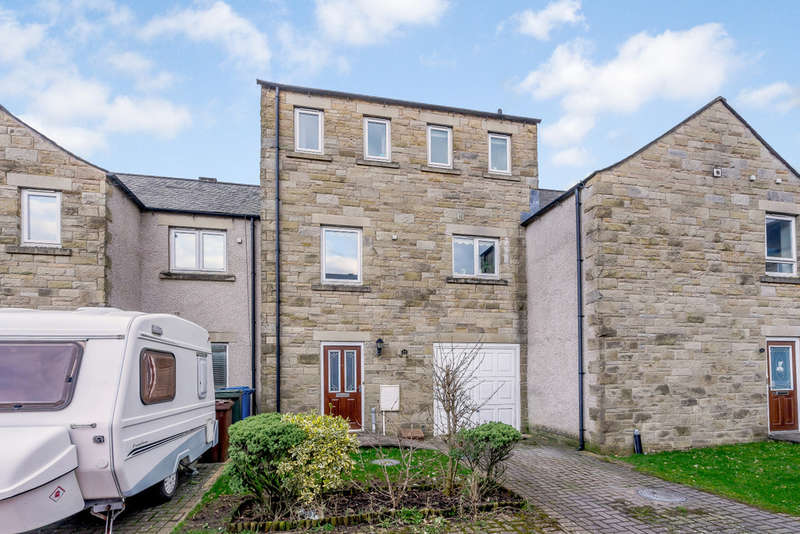 3 Bedrooms Town House for sale in 24 Green Meadow Close, Ingleton
