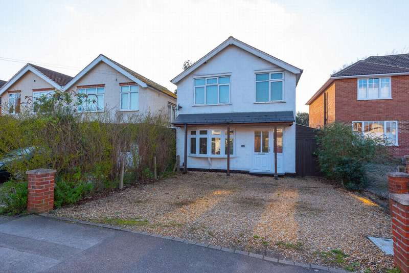 3 Bedrooms Detached House for sale in Park Road, Farnborough, GU14