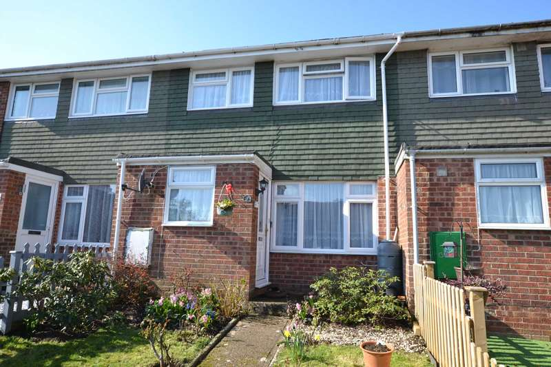 3 Bedrooms Terraced House for sale in Woodside Crescent, Bordon, Hampshire, GU35