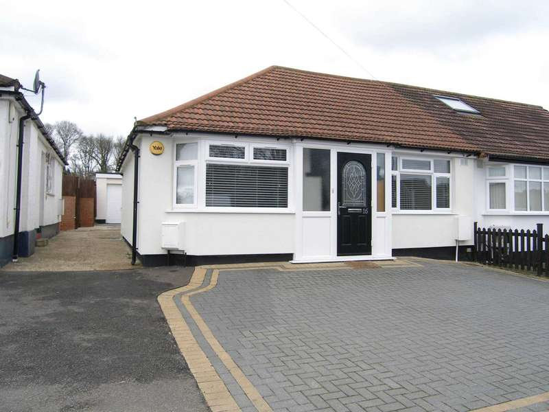 2 Bedrooms Bungalow for sale in Compton Place, Carpenders Park