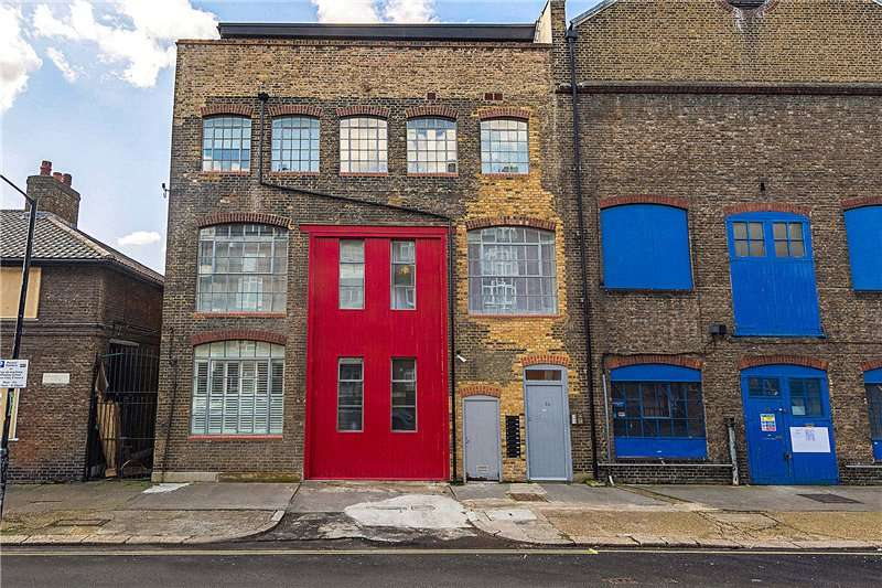 1 Bedroom Flat for sale in Queens Row, London, SE17