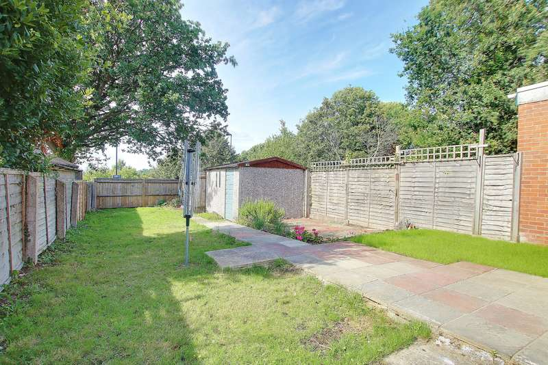 3 Bedrooms Semi Detached House for sale in NO FORWARD CHAIN! CONVENIENT LOCATION! TWO RECEPTION ROOMS!