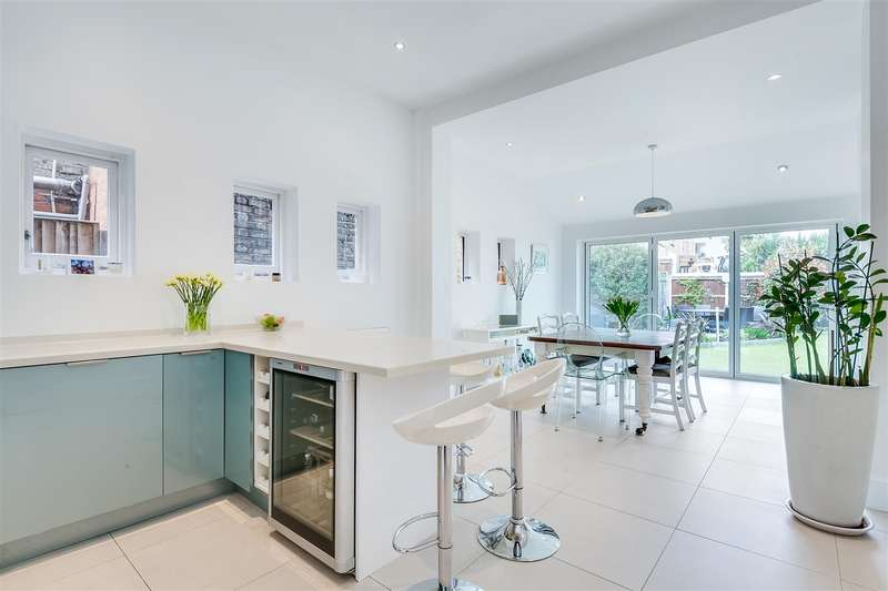 4 Bedrooms Detached House for sale in Bath Road, London, W4