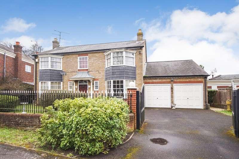 5 Bedrooms Detached House for sale in Devonshire Park, Reading, RG2
