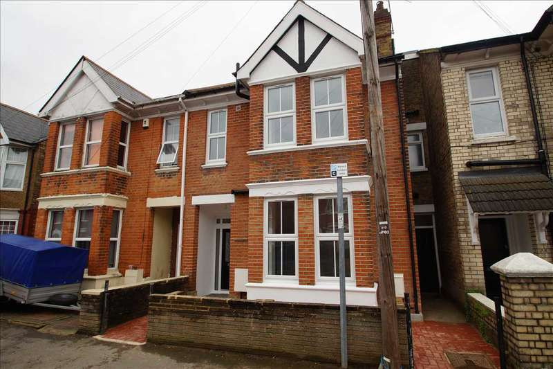 6 Bedrooms Semi Detached House for sale in Dolphin Road, Slough