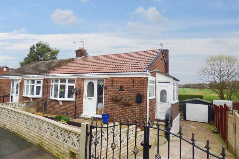 3 Bedrooms Semi Detached Bungalow for sale in Shaw Head Drive, Failsworth, Manchester, M35