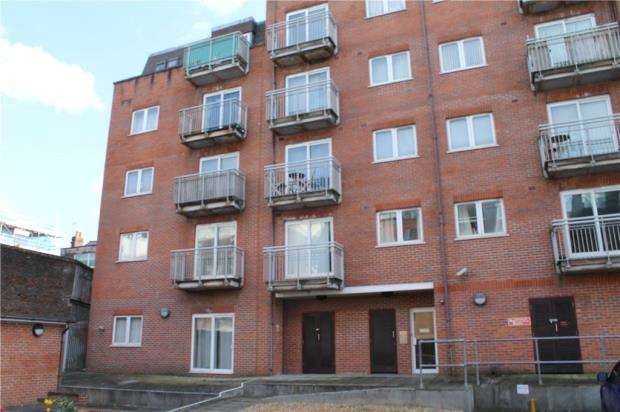 2 Bedrooms Apartment Flat for sale in Capstan House, High Street, Portsmouth