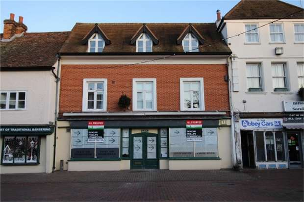 Commercial Property for rent in Market Square, Waltham Abbey, Essex