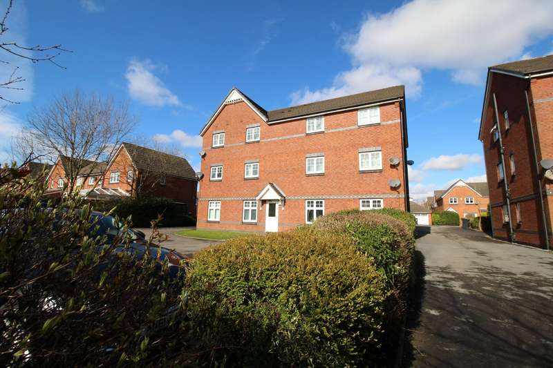2 Bedrooms Apartment Flat for sale in Dixon Green Drive, Farnworth, Bolton, BL4