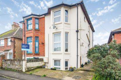 4 Bedrooms Semi Detached House for sale in Sandown, Isle Of Wight, .
