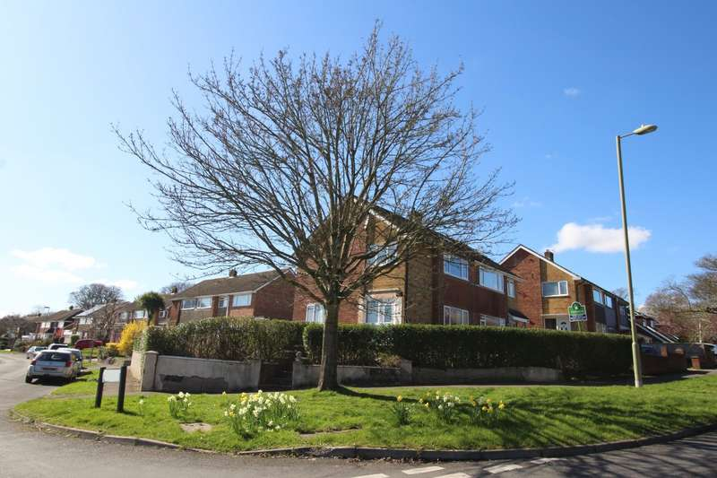 3 Bedrooms Semi Detached House for sale in Hazleton Way, Waterlooville, Hampshire, PO8