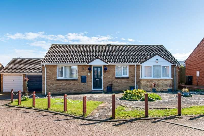 3 Bedrooms Detached Bungalow for sale in Broomfield Crescent, Cliftonville, Margate, CT9
