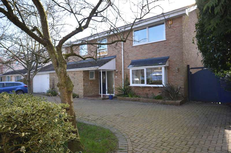 4 Bedrooms Semi Detached House for sale in Vyner Close, Prenton