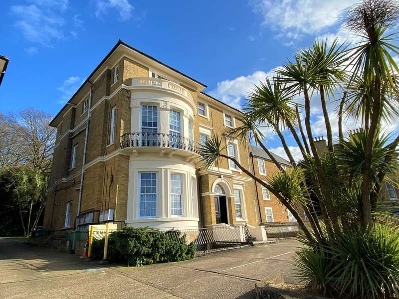 1 Bedroom Flat for sale in West Hill Road, Ryde