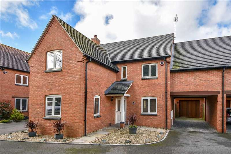 4 Bedrooms Detached House for sale in Ridge Gardens, Great Doddington, NN29 7GD