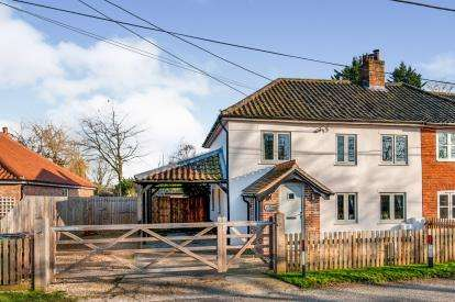 3 Bedrooms Semi Detached House for sale in Saham Toney, Watton, Thetford