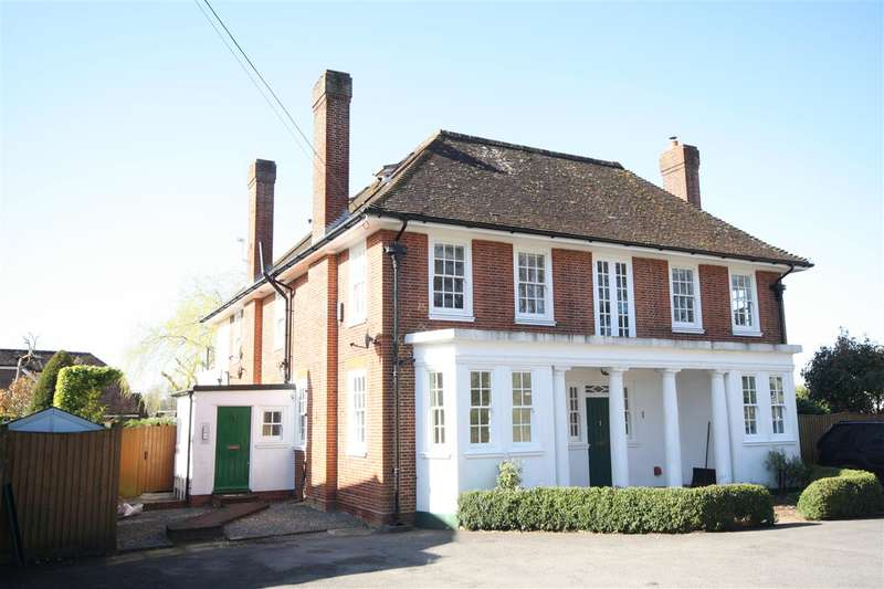 2 Bedrooms Apartment Flat for sale in North Boarhunt - Nr Wickham