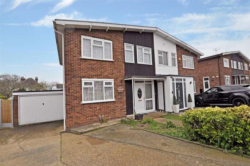 3 Bedrooms House for sale in Gowan Close, Benfleet