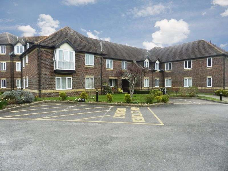2 Bedrooms Property for sale in Copper Beeches, Denmead, PO7 6YQ