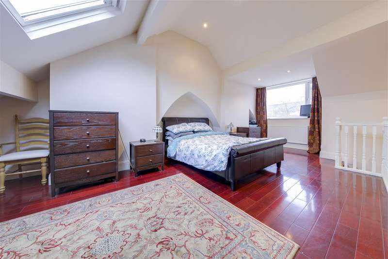 2 Bedrooms Terraced House for sale in Booth Street, Waterfoot, Rossendale