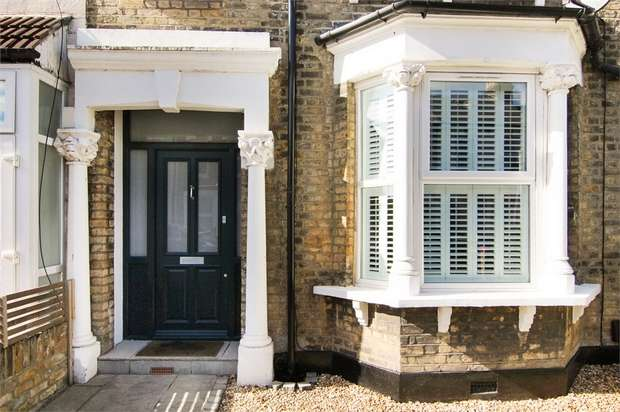 3 Bedrooms Terraced House for sale in Buxton Road, Walthamstow, London
